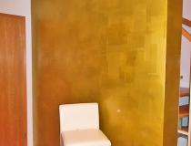 Farbe und Golddesign